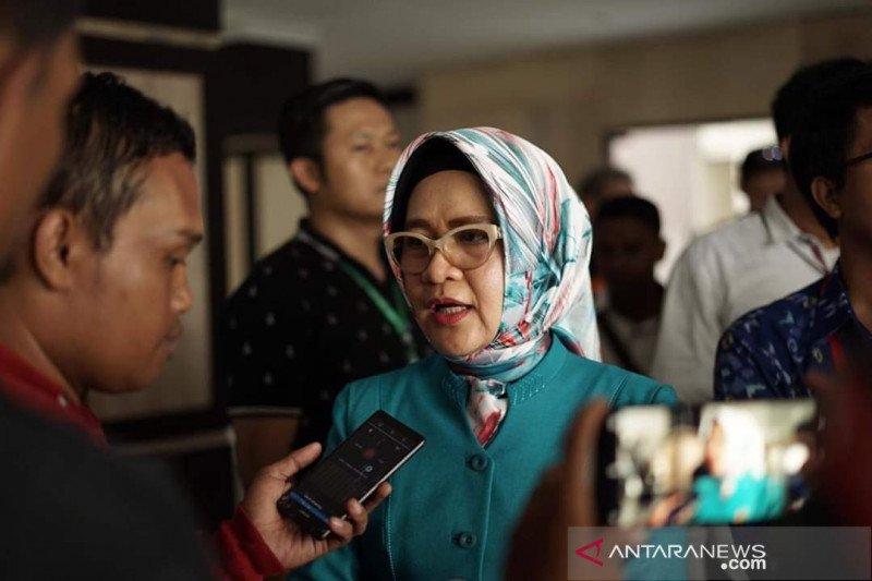 Nilam Sari Lawira usul tiga langkah cegah COVID-19 kepada gubernur