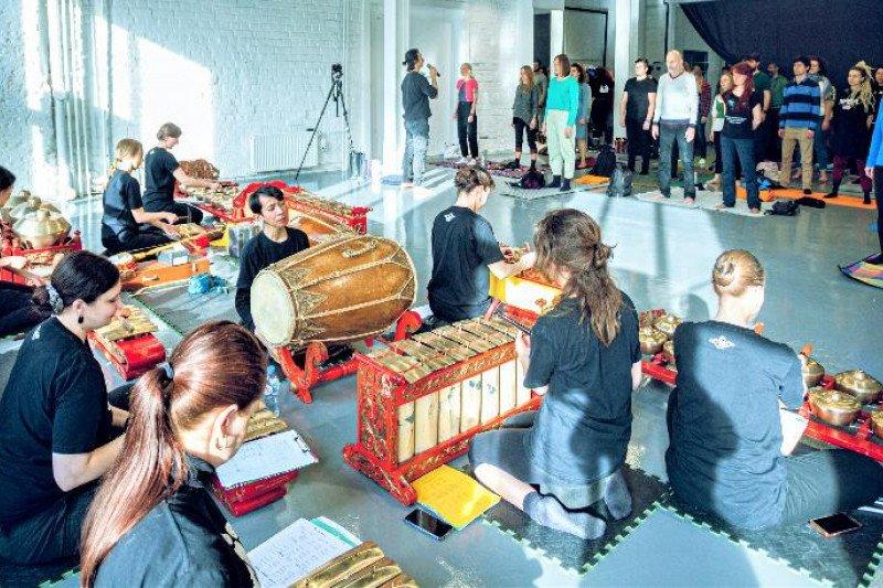 Kali pertama, gamelan dan yoga berkolaborasi di Rusia