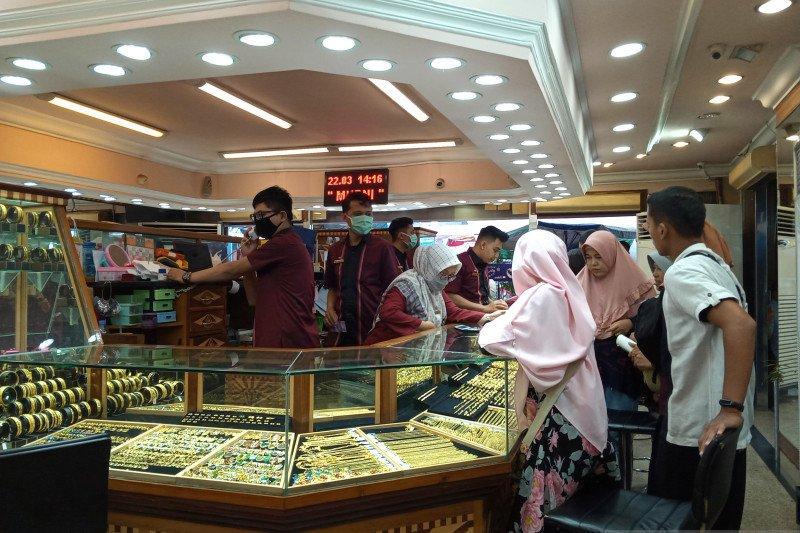Harga emas terus naik di Pasar Raya Padang capai Rp1,94 juta per 2,5 gram