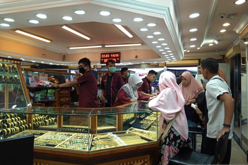 Gold prices continue to rise up to Rp1,94 million per 2.5 grams  in Padang
