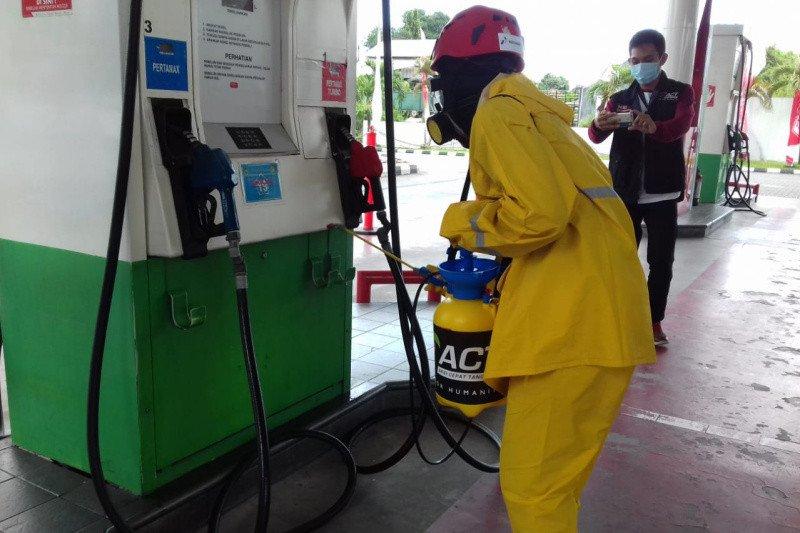 PT Pertamina semprot disinfektan ke 100 SPBU di Jakarta, pastikan bersih kuman