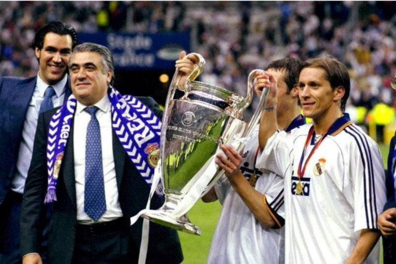 Mantan presiden Real Madrid Sanz meninggal setelah terkena corona