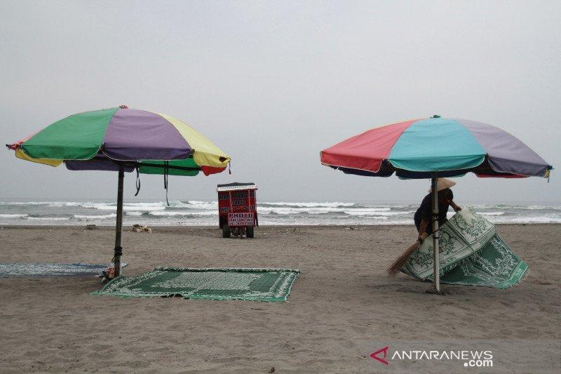 Objek wisata Pantai Parangtritis masih ditutup