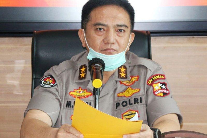 Polri akan bubarkan warga yang masih berkerumun guna cegah COVID-19