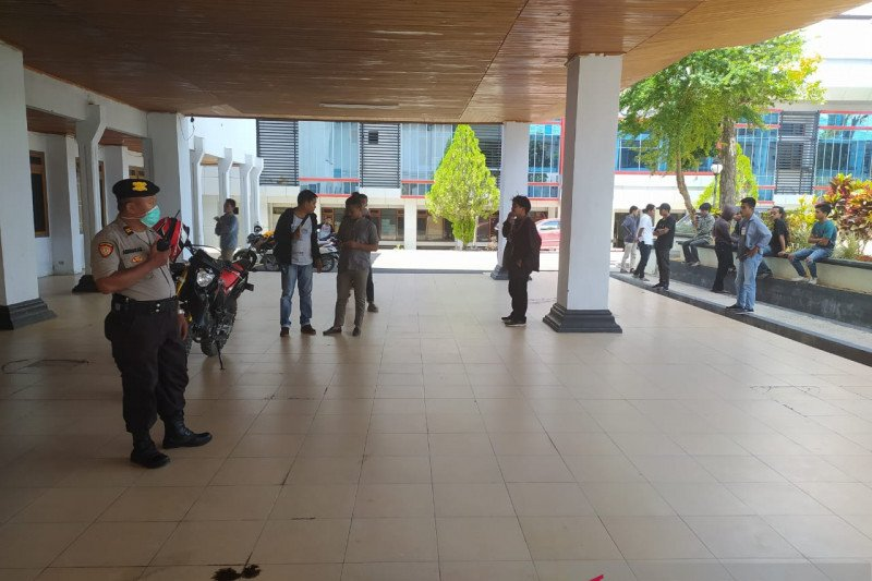 Polisi amankan pengunjukrasa karena melanggar Maklumat Kapolri