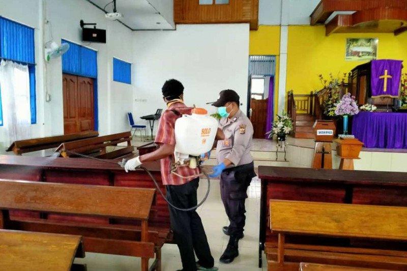Gugus tugas Polsek Muara Tami semprot disinfektan di tujuh lokasi