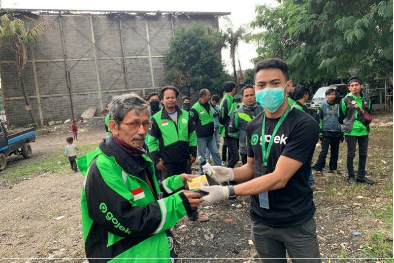 Ratusan karyawan Gojek  yang kena PHK  dapat pesangon