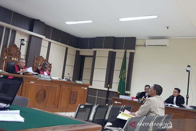 Tamzil minta hakim bebaskan dirinya dari seluruh dakwaan