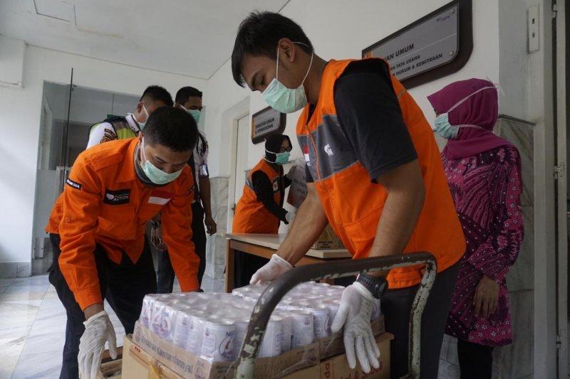 Rumah Zakat distribusikan makanan untuk petugas medis COVID-19