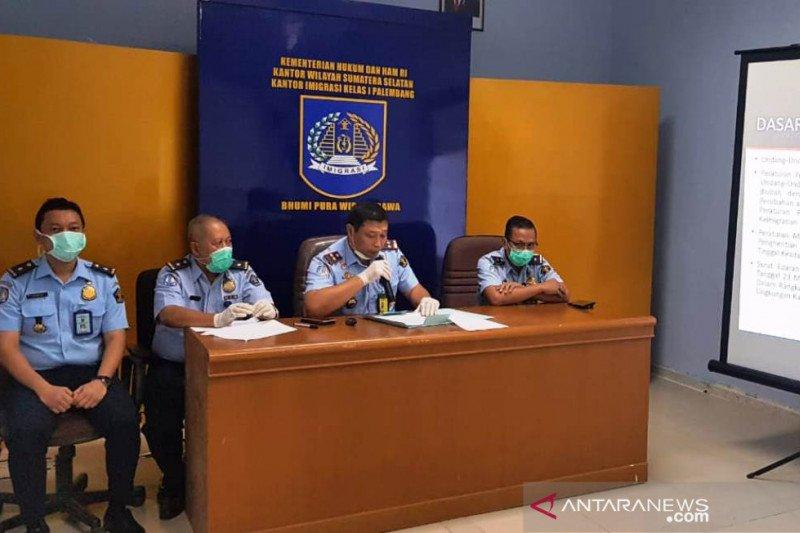 Imigrasi Palembang lakukan pembatasan pelayanan  paspor