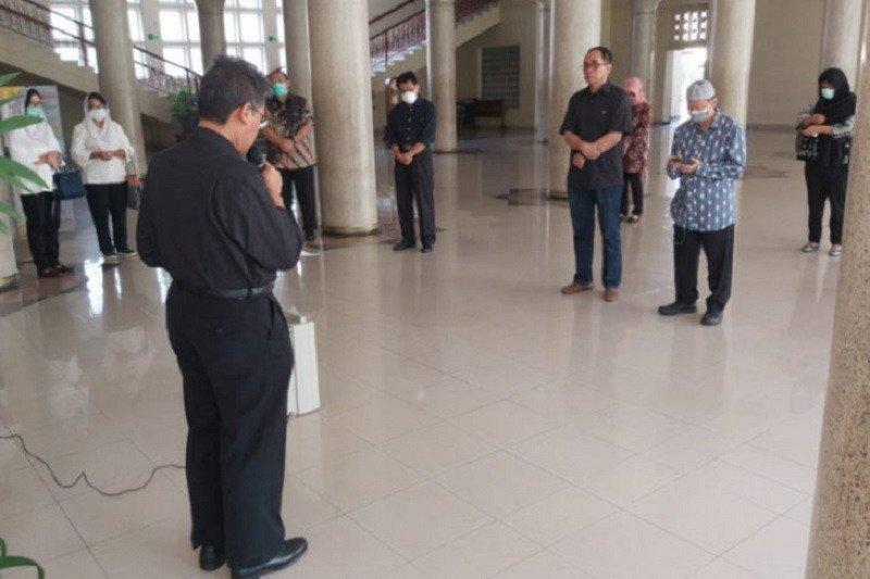 Guru Besar UGM Yogyakarta yang dinyatakan positif COVID-19 meninggal