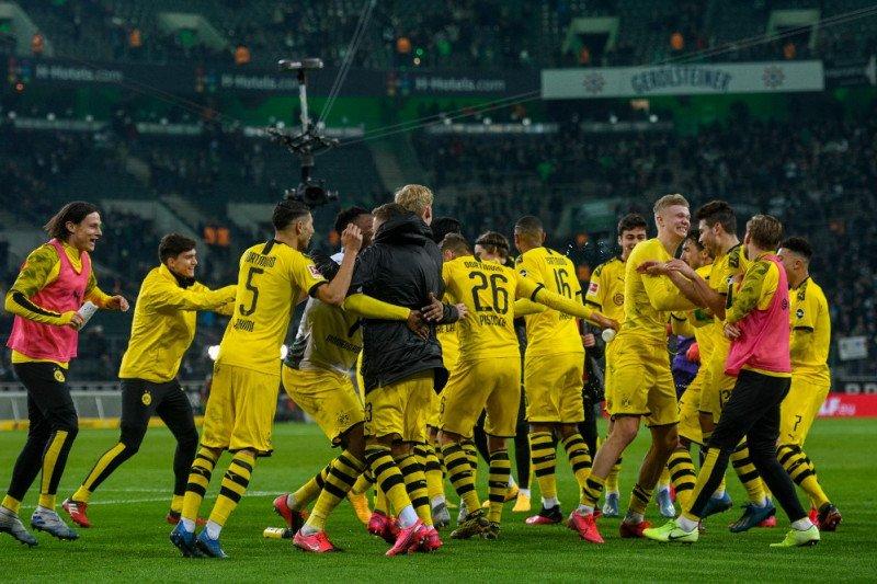 Dortmund potong gaji pemain karena krisis virus corona