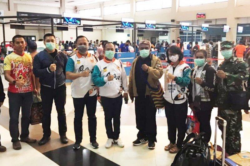 Tim monev Puslatprop cek kesehatan atlet pemusatan latihan PON Papua