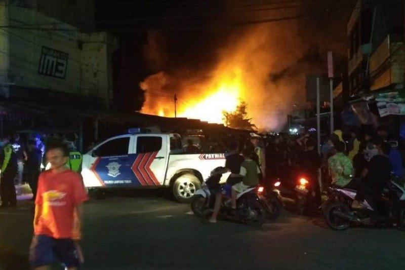 Pasar Way Jepara Lampung Timur terbakar