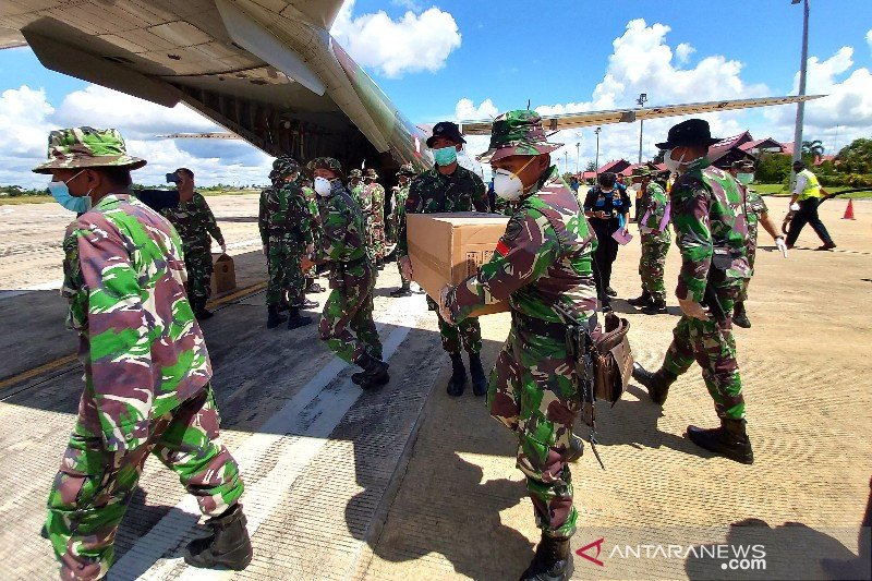 Diangkut menggunakan pesawat TNI AU, Kalteng terima 2.000 APD