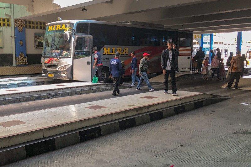 Penumpang di Terminal Bus Giwangan Yogyakarta turun sekitar 40 persen