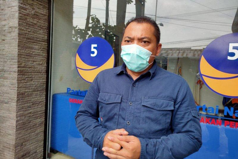 NasDem bagikan 5.000 botol cairan pembersih tangan