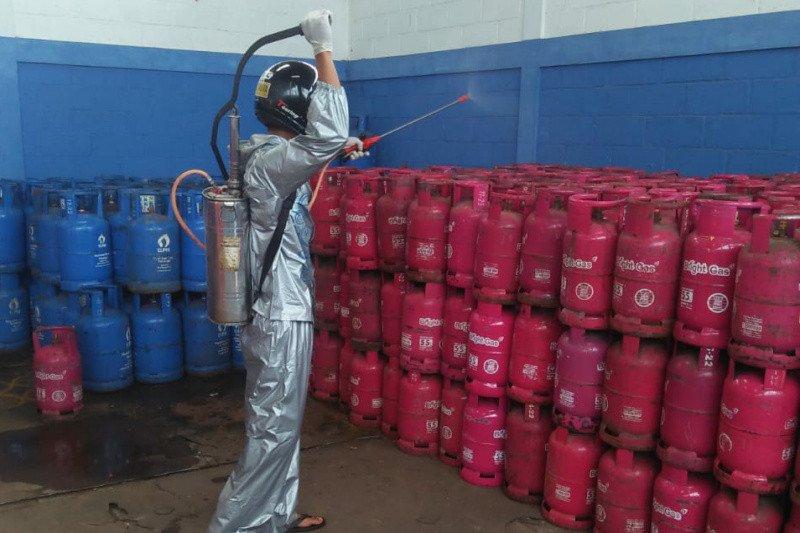 Pertamina sterilkan tabung LPG dengan cairan disinfektan nonkorosif