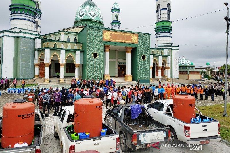 Ratusan orang dikerahkan lakukan desinfeksi massal di Kotim