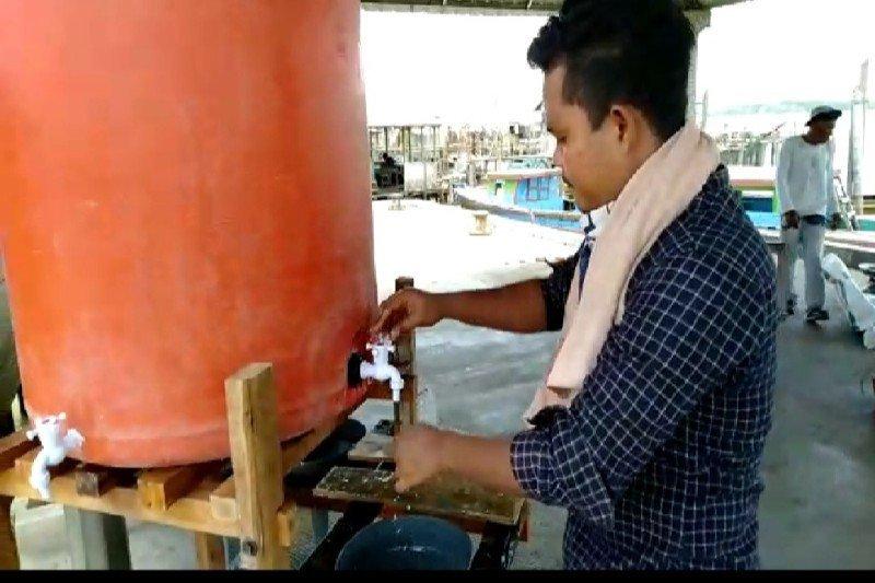 Dermaga Jaring Halus Langkat dipasang tempat cairan cuci tangan cegah corona