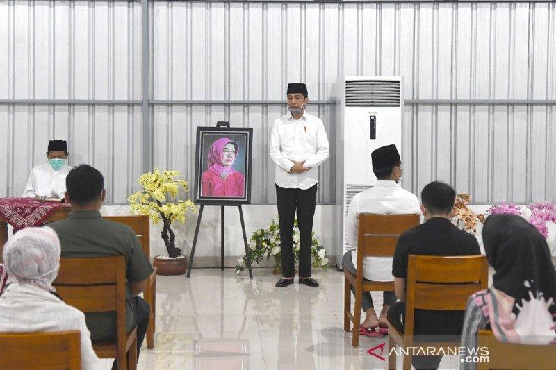 Presiden Jokowi ke Solo ikut tahlil doakan almarhumah ibunda Sudjiatmi