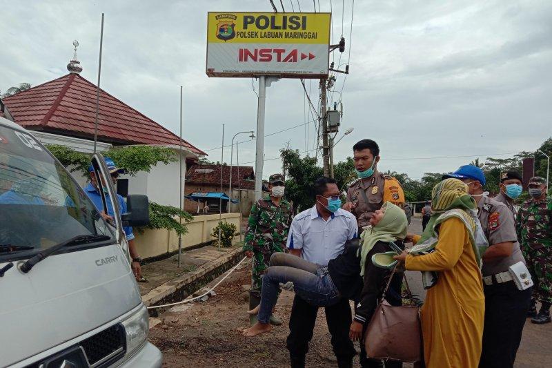Polisi larikan warga ke puskesmas akibat laka lantas