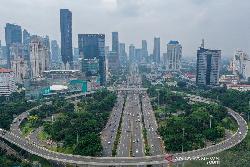 "Lalin jalan protokol di Jakarta ramai lancar pada ""Long weekend"""