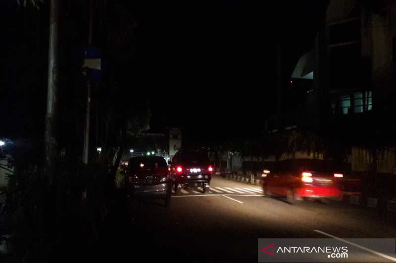 Cegah kerumunan malam hari, Temanggung padamkan lampu jalan