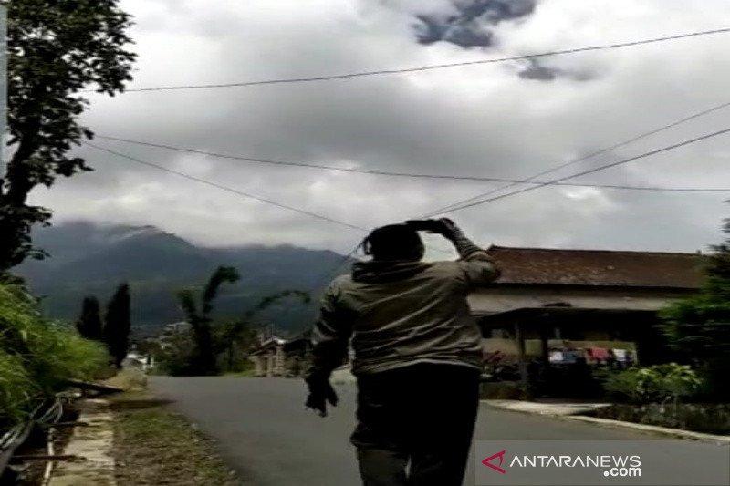 Erupsi Gunung Merapi tidak berdampak pada tiga bandara yang dikelola AP I