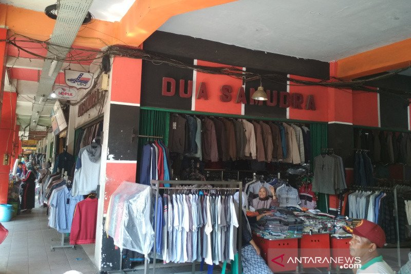 Pasar Kliwon Kudus sepi pembeli, pedagang mengeluh
