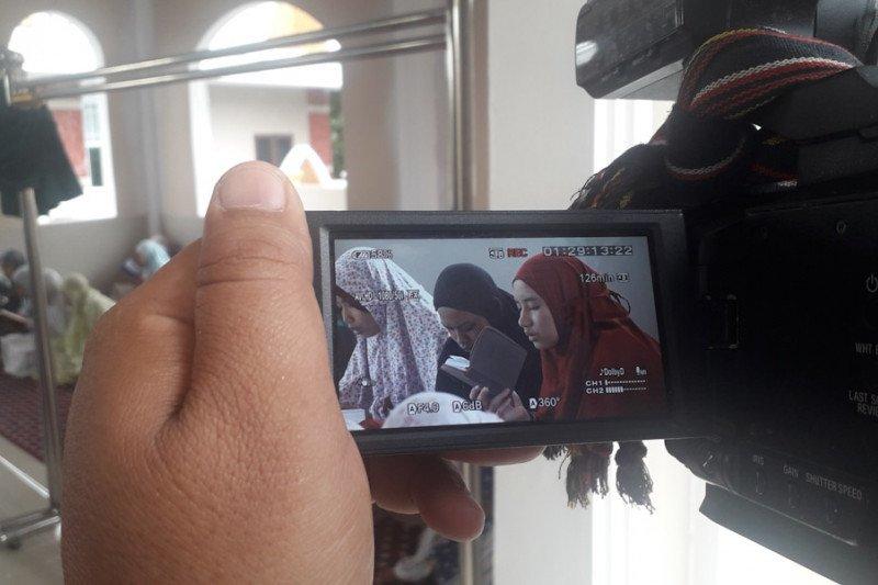 Ratusan santri gelar doa bersama tolak wabah COVID-19 di Lampung