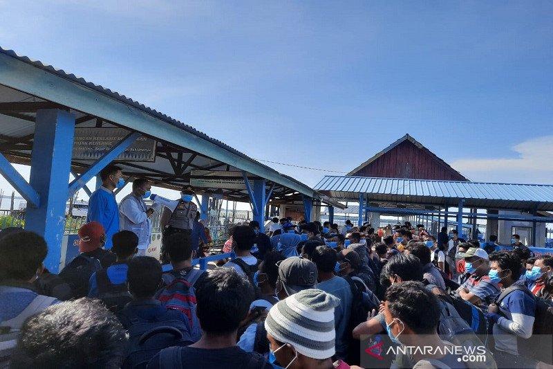 Gubernur : Semua TKI dari Malaysia di Riau prioritas rapid test serentak pada Kamis