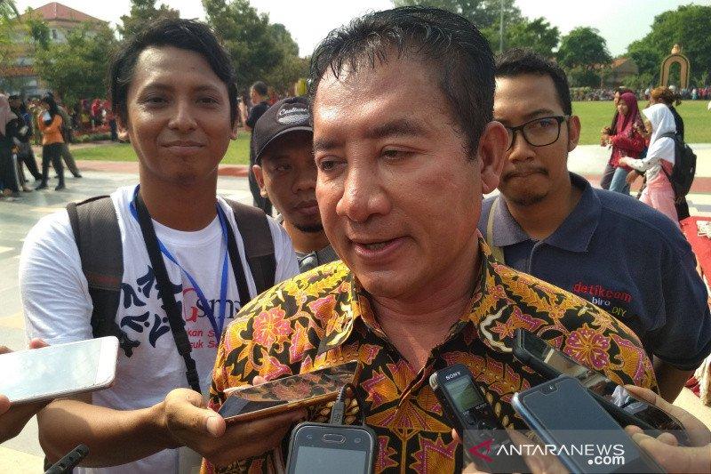 Imam Suroso,  anggota DPR RI, langsung dimakamkan di Pati