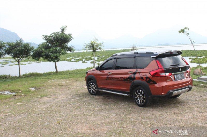 Suzuki XL7 hadirkan spion tengah yang bisa rekam perjalanan