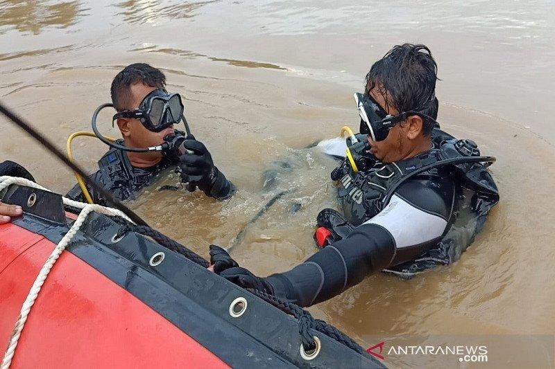 Tim SAR terus cari lansia hilang di Sungai Batang Kuantan Riau, begini kronologinya