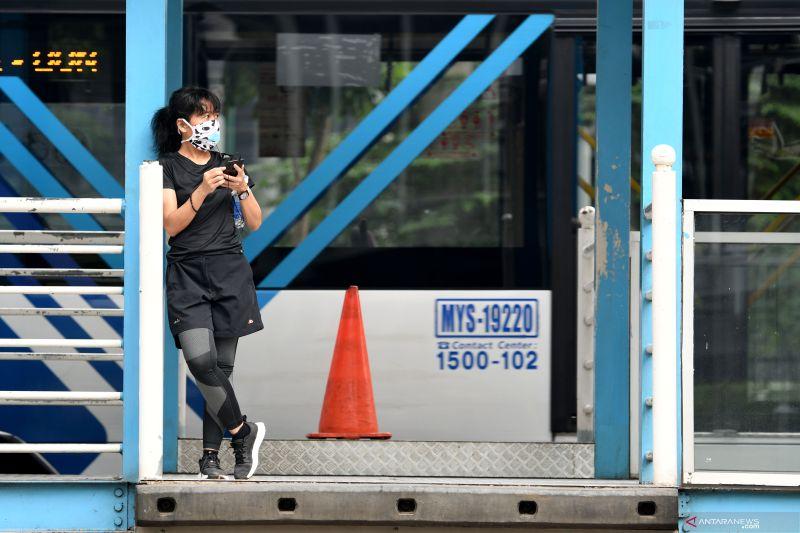 Mau naik TransJakarta?  Wajib pakai masker