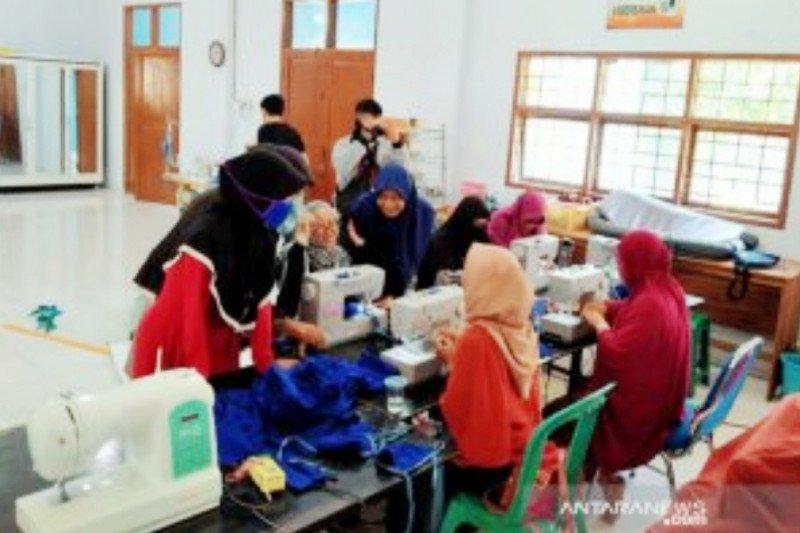 BLK Makassar produksi ribuan masker bantu penanggulangan wabah COVID-19