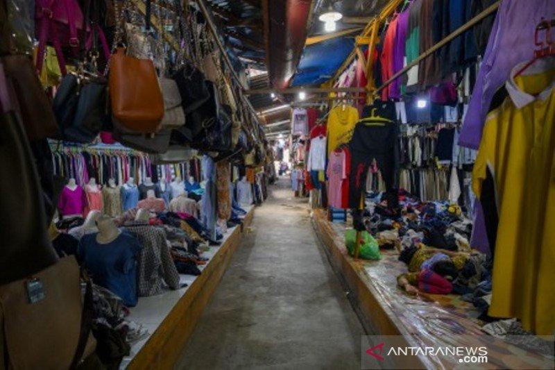 Pasar tradisional sepi pengunjung
