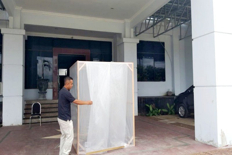 DPRD Seruyan sediakan bilik desinfektan di pintu masuk kantor