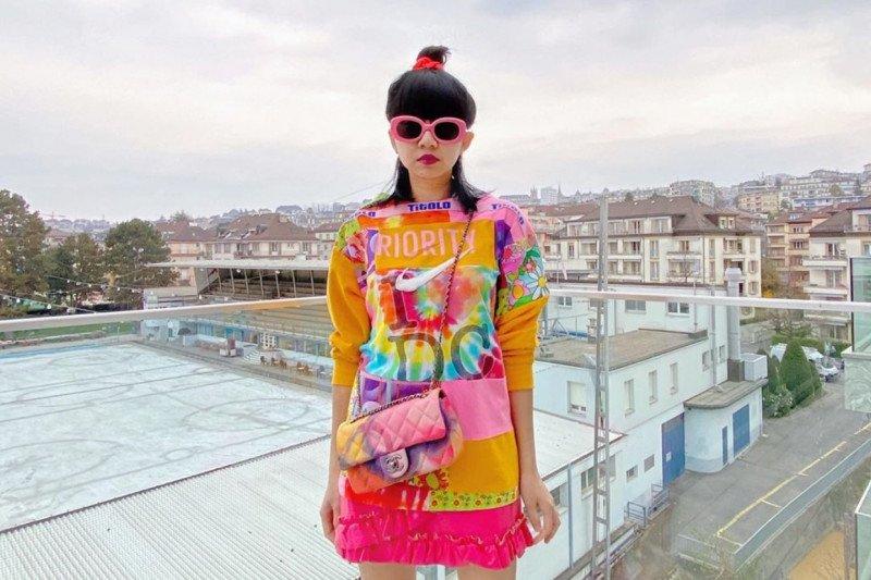 """Desainer Diana Rikasari """"sulap"""" baju lama jadi baru"""