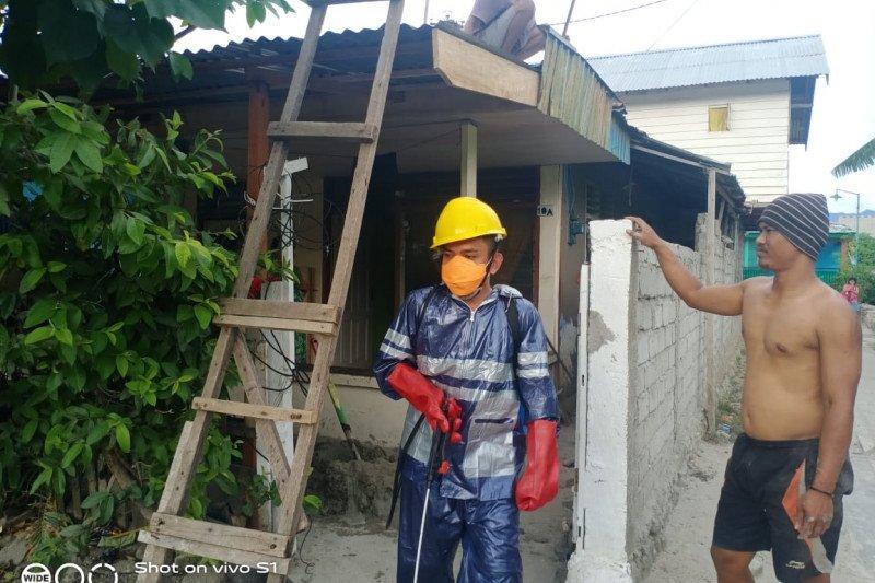 Gerindra Sulteng gencarkan penyemprotan disinfektan di Kota Palu