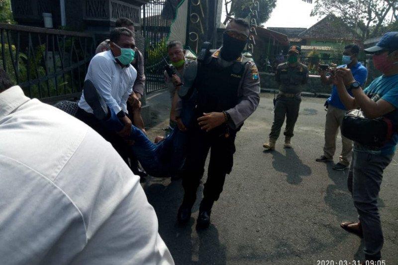 Gebrak mobil Bupati Tulungagung, wartawan ditangkap polisi