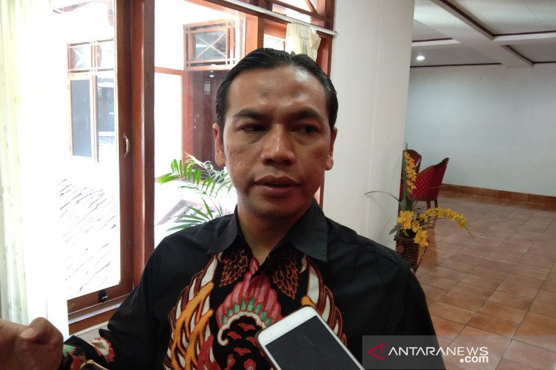 KPU Bantul tunggu informasi resmi penundaan Pilkada