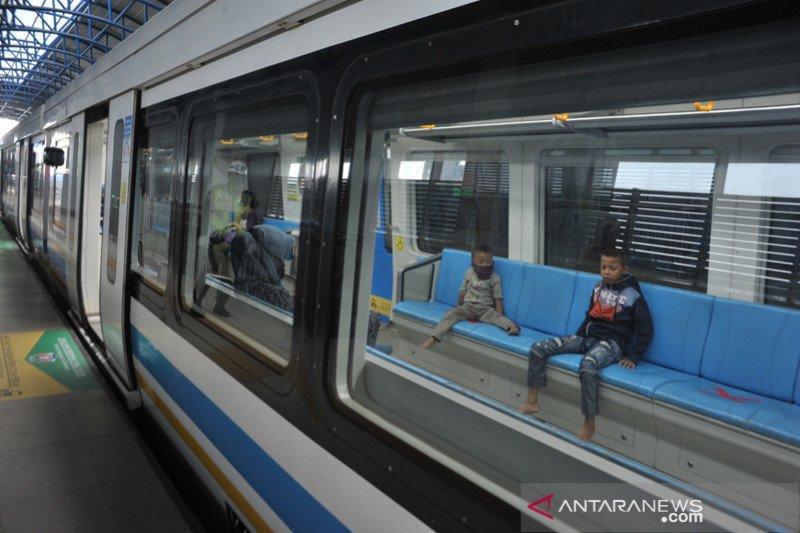 LRT kurangi jam operasional mulai 1 April