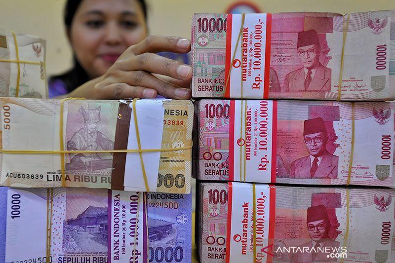 Kurs Rupiah diprediksi masih melemah menanti rilis data inflasi AS