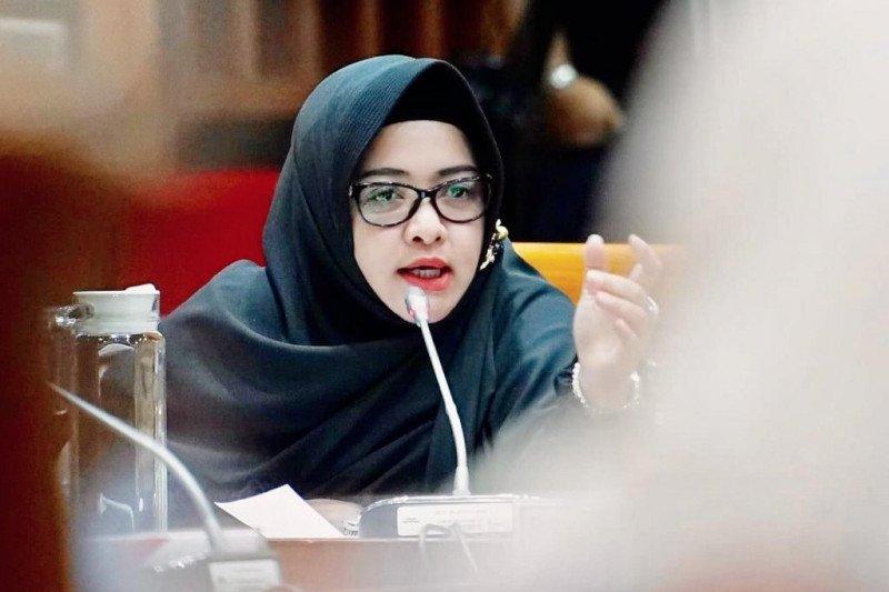 Dewi Aryani: Keppres karantina terbit, tak perlu debat soal lockdown