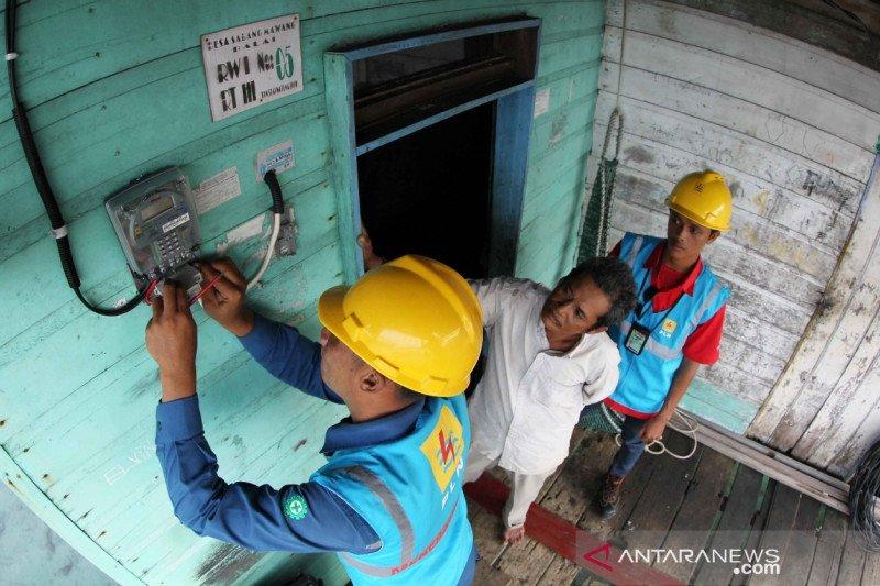 Presiden Jokowi minta seluruh desa teraliri listrik tahun ini, begini penjelasannya