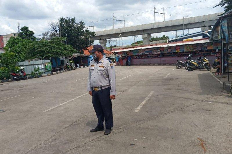 Terminal Lebak Bulus Jakarta sepi ditinggal penumpang