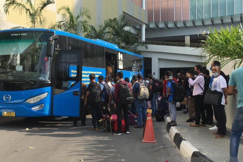 Sebanyak 35.995 orang pekerja imigran dari Malaysia pulang melalui Kepri