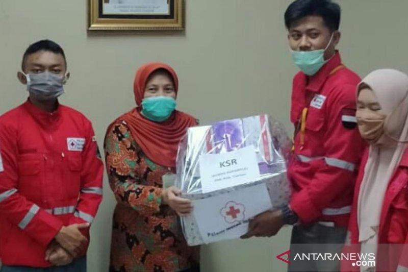 PMI berikan bantuan APD untuk tim medis RSUD Cianjur